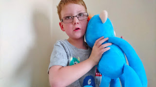 Fingerlings Hugs Review on Us Two Plus You - Burping Boris the Monkey