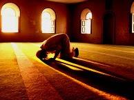 Closing Eyes During Shalah (Prayer). Is it Allowed?