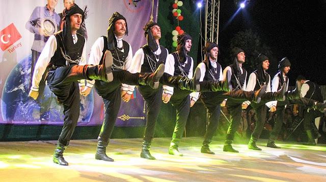 Η Μαύρη Θάλασσα ενώνει... Έλληνες και Τούρκους