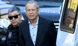 Condenado a 32 anos, ex-ministro José Dirceu deixa a prisão