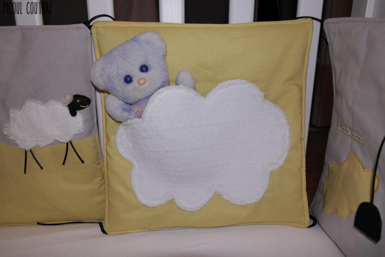 Picoul couture le tour de lit sur le th me moutons et - Comment mettre le tour de lit ...