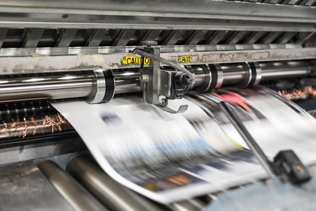 Czy warto korzystać z drukarni online? Zalety i wady korzystania z drukarni internetowej.