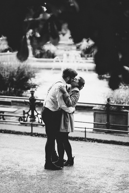 Jo & Ash's Real Life Engagement in Hyde Park, London: Capturing the Moment