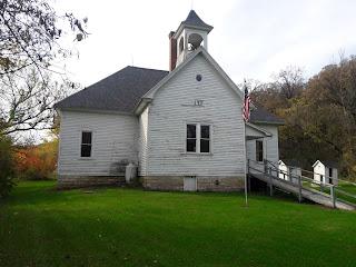 1911 two-room schoolhouse Highlandville Iowa
