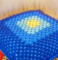 http://translate.google.es/translate?hl=es&sl=en&tl=es&u=http%3A%2F%2Fwww.letsknit.co.uk%2Ffree-knitting-patterns%2Fmaz_and_coral