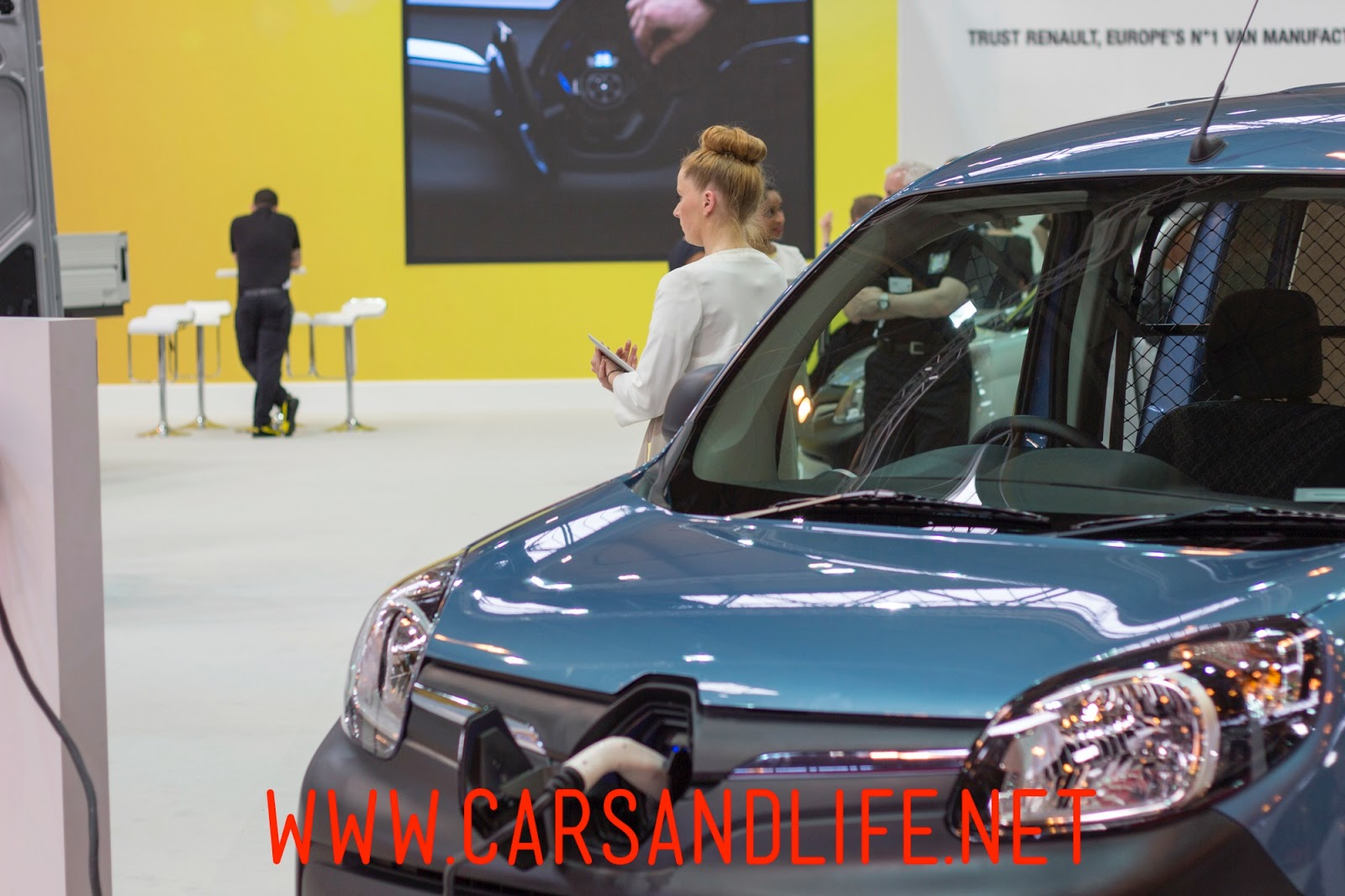 renault commercial vehicles at the cv show 2014