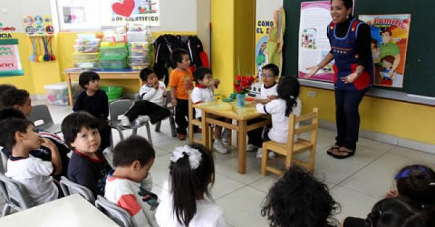 MINEDU: Cerca de 15 mil colegios del país Implementarán el Currículo Nacional en 2018 - www.minedu.gob.pe