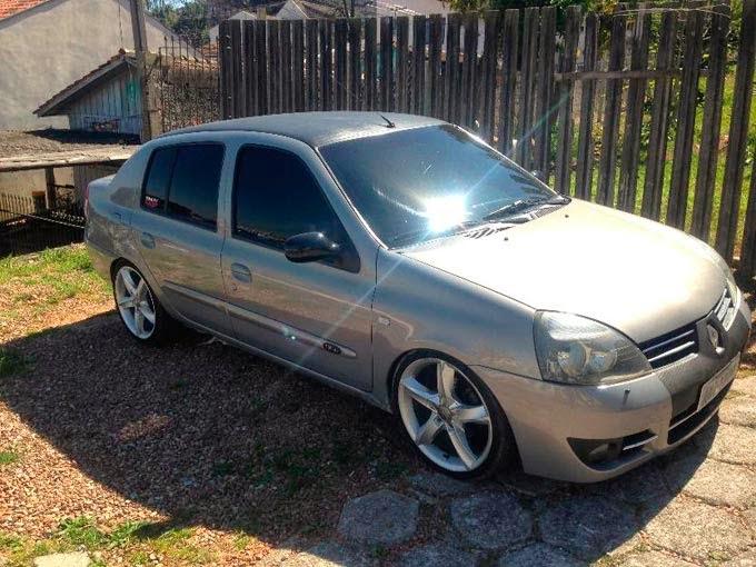 """Clio Sedan Rebaixado rodas 17"""""""