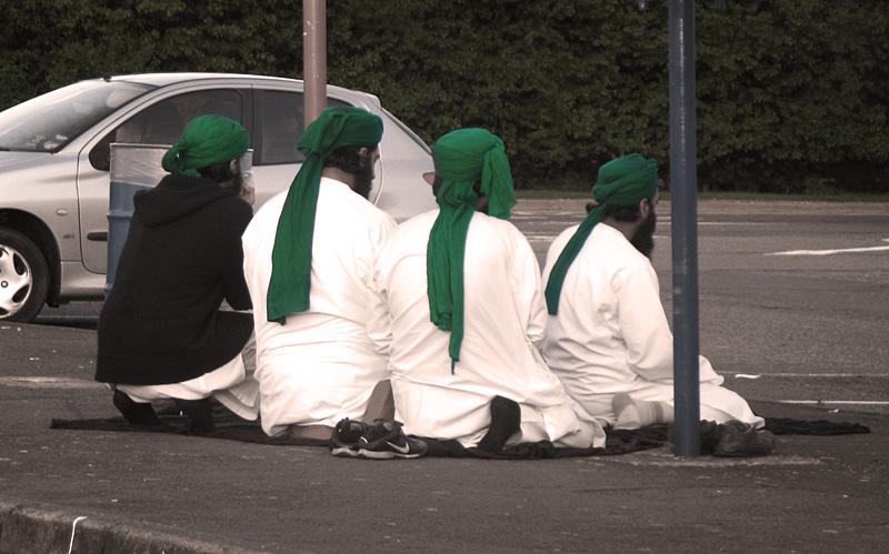 ISLAM DAN IMAN: AZAB KUBUR UNTUK ORANG YANG MENINGGALKAN SOLAT