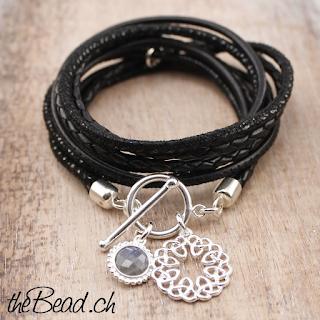 Schwarzes Lederarmband und tolle Geschenkidee mit Keltischer Knoten