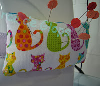 http://www.elarcadeglops.com/2012/01/tutorial-alfiletero-maquina-de-coser.html