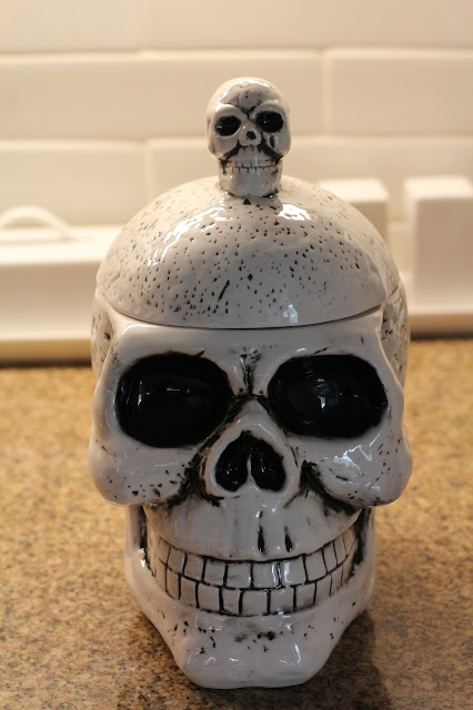 Halloween cookie jar