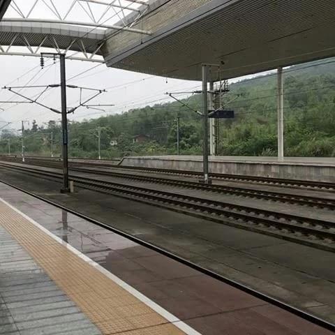 http://loverlem.blogspot.com/2017/10/hal-hal-unik-yang-ada-di-china.html