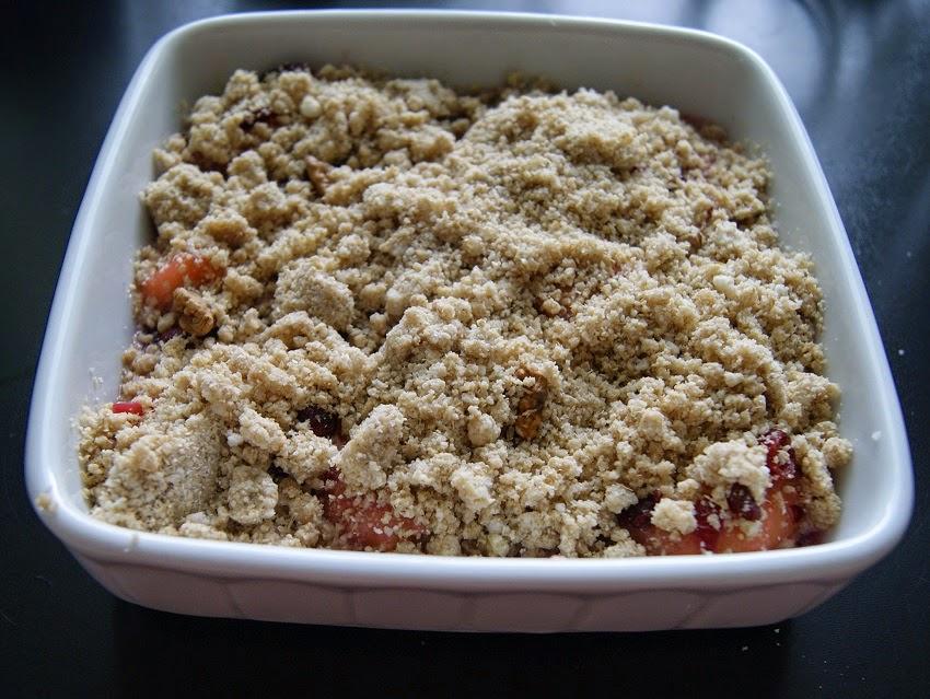 Crumble z rabarbarem i mąką owsianą