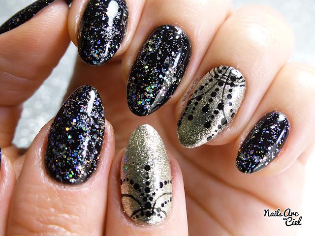 Nail Art - Collier festif effet miroir et paillettes