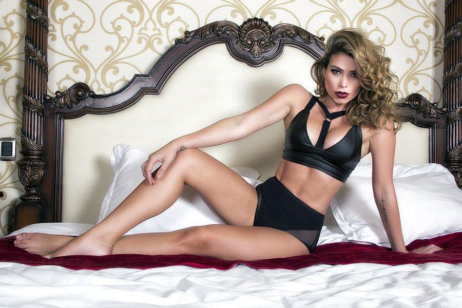 Paola Canas: Quả bom sex mê Messi -4