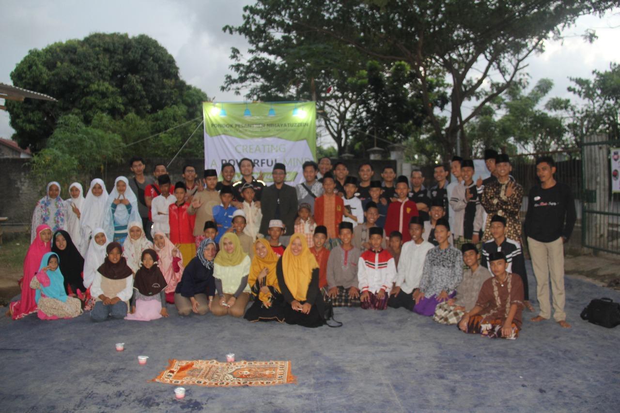 Kolaborasi Komunitas Motor Dan Komunitas Literasi Untuk Berbagi Di Bulan Ramadhan
