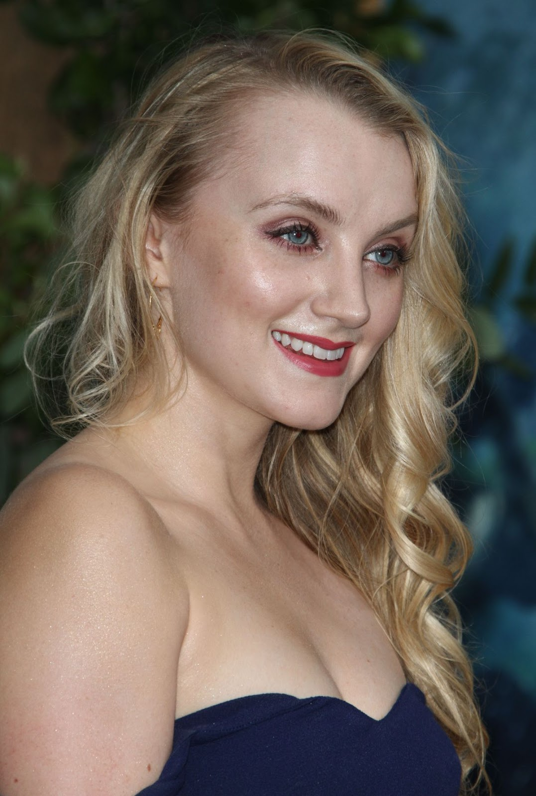 evanna lynch at �the legend of tarzan� premiere in