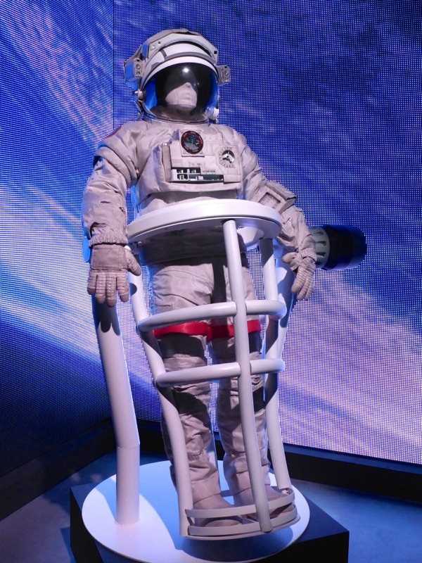George Clooney Gravity Astronaut spacesuit
