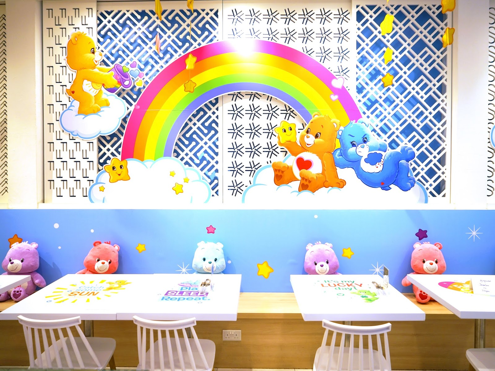 PinkyPiggu: Care Bears X Kumoya! The Halal-Friendly Café At