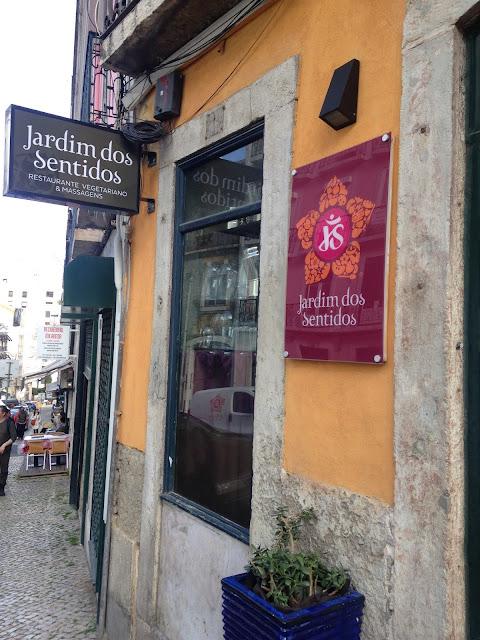 Entrada do restaurante Jardim dos Sentidos