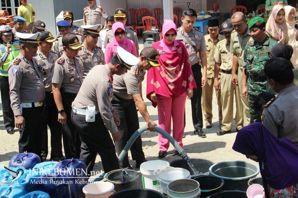 HUT Polantas ke-63, Polres Kebumen Bantu 101 Tangki Air Bersih
