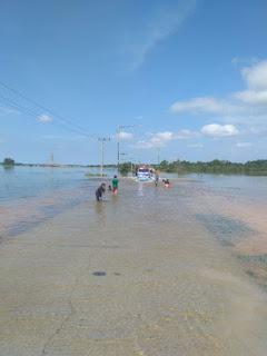 Dua Pekan Banjir,  kendaraan R2 Belum Berani Melintas