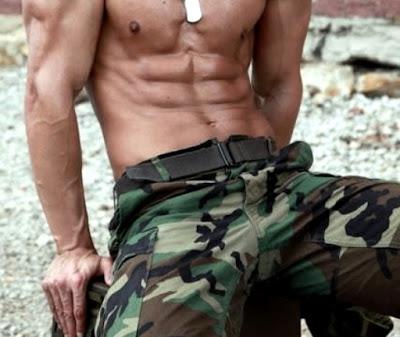 tentara sixpack gay homo tni anggota prajurit body otot muscle
