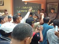 100 Anggota KPPS Datangi KPU Sleman Menuntut Kejelasan Honor