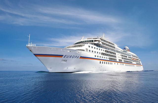MS EUROPA auf See (C) HL Cruises