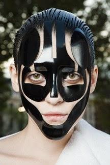 Alexander-McQueen-Spring-Summer-2015-Vogue.com