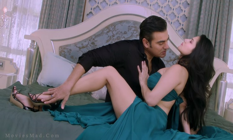 Arbaaz Khan and Sunny Leone Romantic Scene in Tera Intezaar