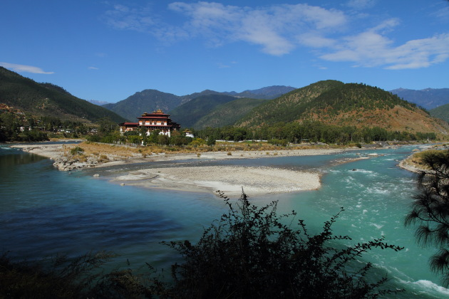 Punakha Dzong at the confluence of Mochu and Pochu rivers