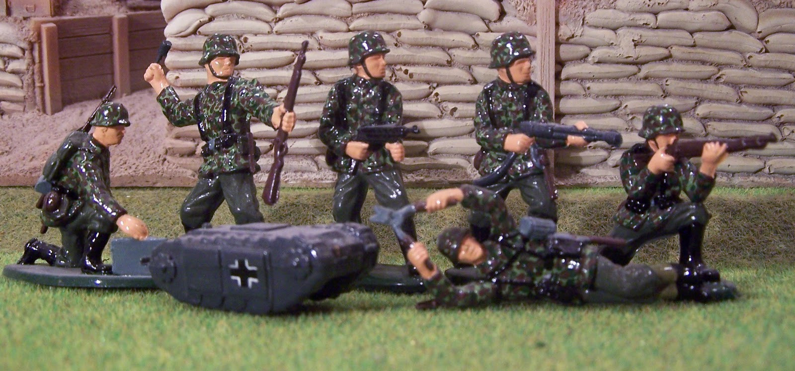 WWII Plastic Toy Soldiers: Introducing the German Combat