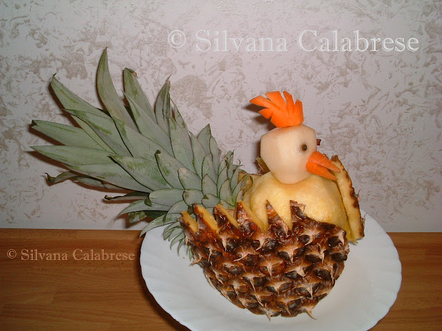 Intagli frutta verdura gallina ananas Silvana Calabrese blog