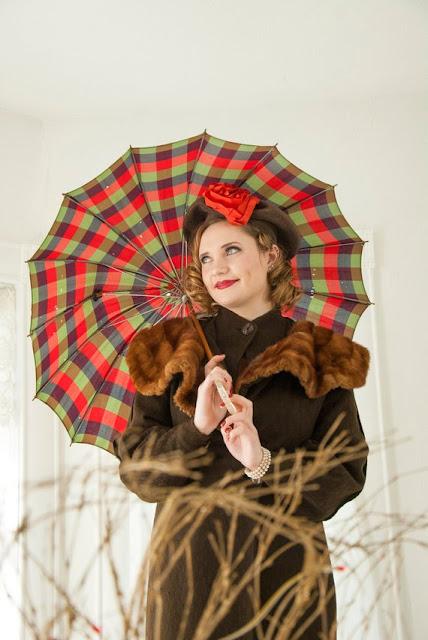https://www.etsy.com/listing/625398168/vintage-1940s-red-plaid-umbrella-purple?ref=shop_home_active_54