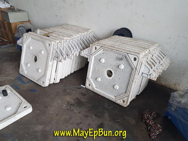 Các khung bản máy ép bùn Việt Nam bằng nhựa Polypropylene chịu được ăn mòn và lực ép lớn