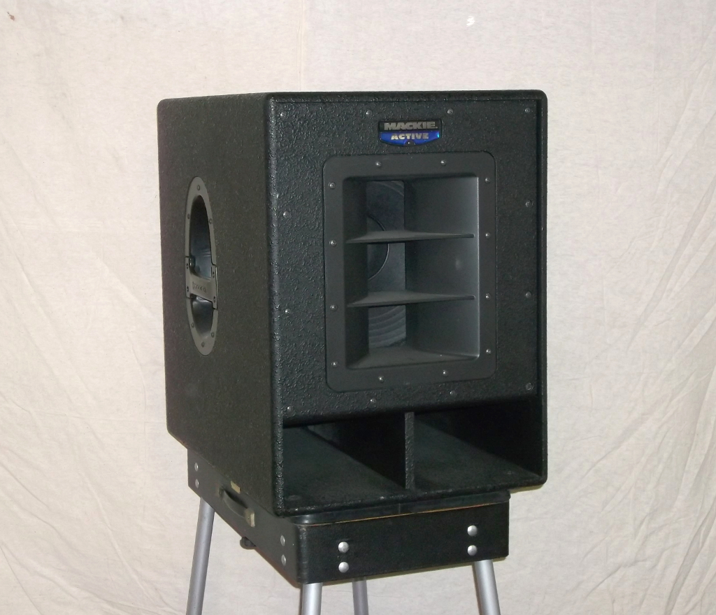 sold mackie 1501 active subwoofers 700 per pair one one two. Black Bedroom Furniture Sets. Home Design Ideas