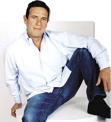 Foto de Carlos Mata sonriendo