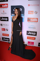 Red Carpet of Most Stylish Awards 2017 ~ Esha Gupta (7).JPG