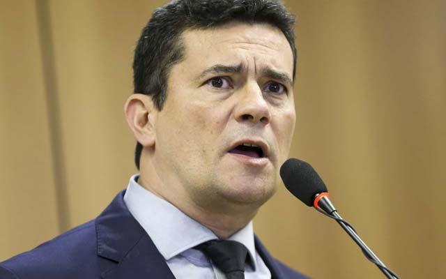 Moro demite delegado da PF investigado por receber propina