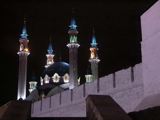 [Image: 800px-Kazan_kremlin_at_night.jpg]