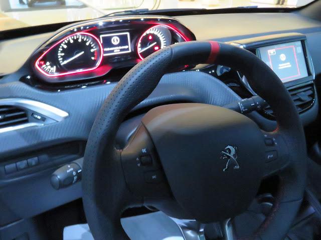 Peugeot 208 GT THP Turbo - Preto Perna Nera