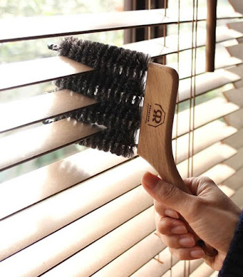 Windowblind Brush