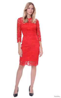 Vestidos de encaje rojos