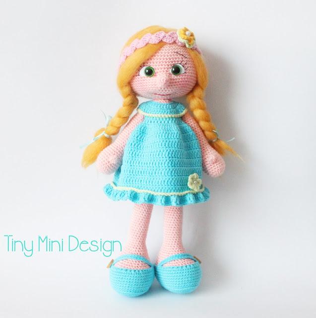 Amigurumi Mavi Elbiseli Bebek-Amigurumi Blue Drees Doll