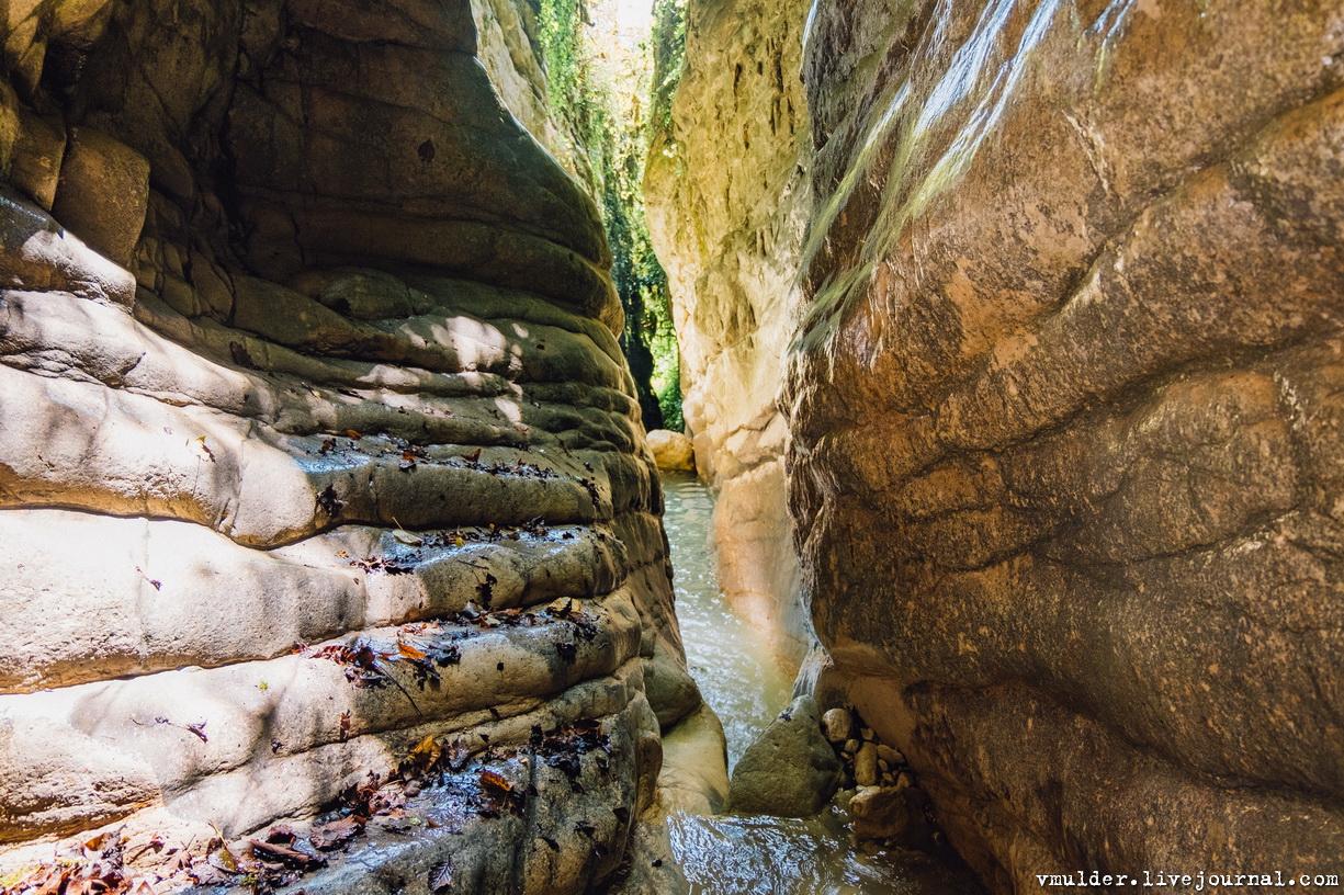 Загадочный каньон не в нашем измерении прыжок, каньон, страшно, ощущение, попали, другую, совершенно, предстоял, мусора, ожидал, реальность, общем, Долго, ныряли, нашли, предсмертное, Гоупрошку, забыл, итоге, утопил