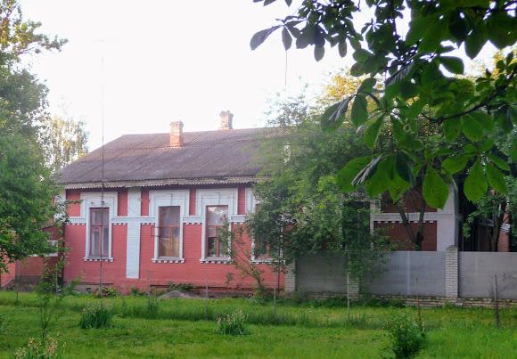 Конотоп. Служебное здание возле станции