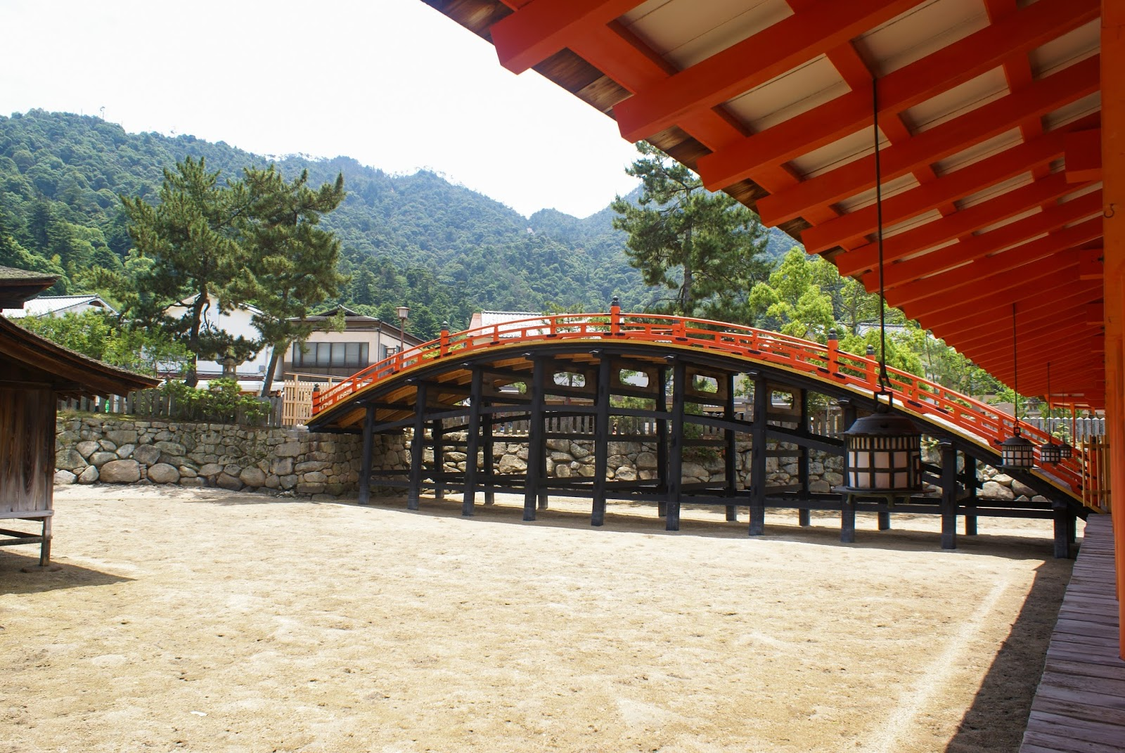 miyajima itsukushima shrine sanctuaire bridge