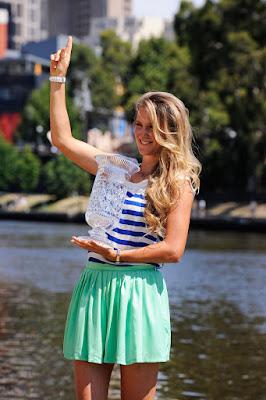 Pemain tennis Victoria Azarenka kulit mulus